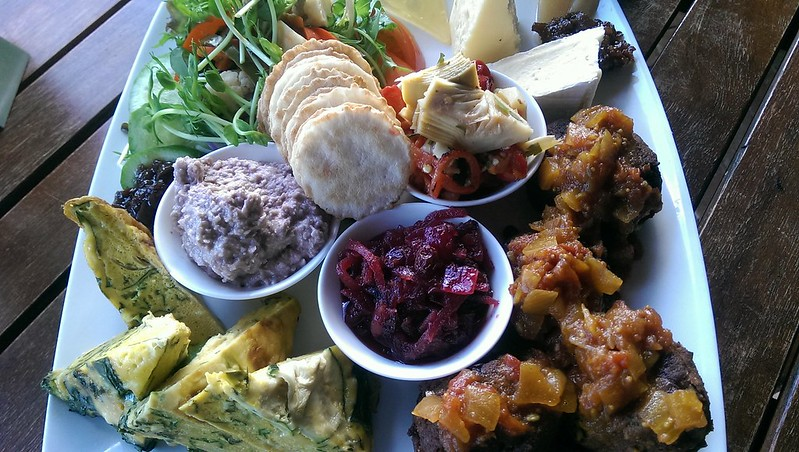 Lake House Winery Restaurant - Beautiful Lunch Platter
